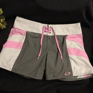Oakley Swim/Fashion Shorts-Grey/Pink/White-4
